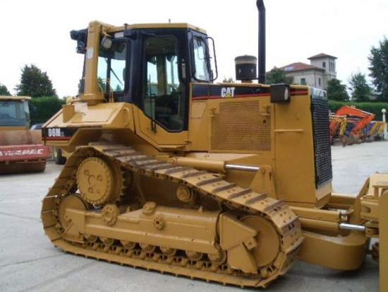 Бульдозер CATERPILLAR D6M XL
